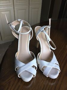 White strappy heels Le Chateau size 8