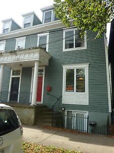 BEAUTIFUL 3 LEVEL HOUSE SOUTH END HALIFAX AUGUST 1ST