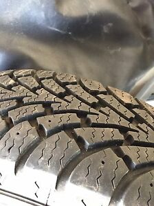 2 goodyear nordic Winter tires 185/65/15