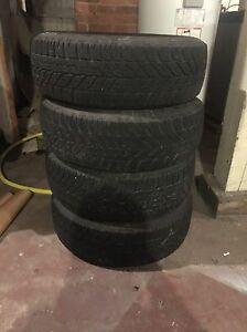 Selling 4 good year 195/65R15 5 bolt pattern