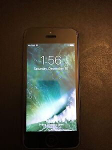 Iphone 5 16 gb Unlocked Mint Condition...!!!