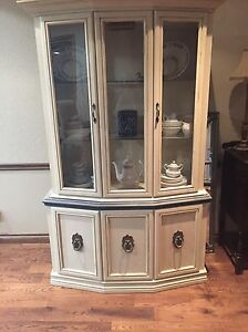 Beautiful cabinet/hutch