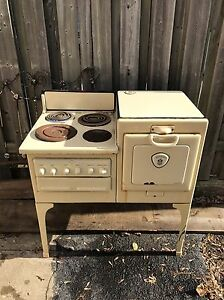 ANTIQUE STOVE FOR SALE Gatineau Ottawa / Gatineau Area image 2