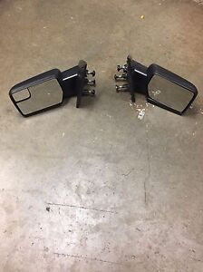 2011 Ford F-150 factory side mirrors