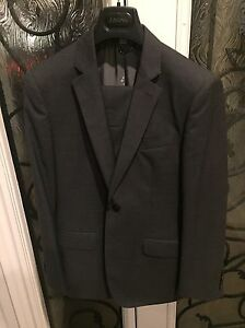 2 Men's Burberry Suits 500 each 38R Oakville / Halton Region Toronto (GTA) image 2