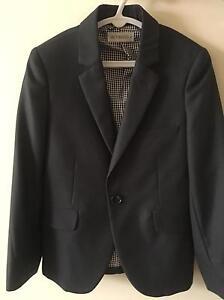 Boys suit jack size 6 Harrison Gungahlin Area Preview