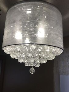 Drum Shade w/ Crystal Drops Light Fixtures/Chandeliers/Pendants