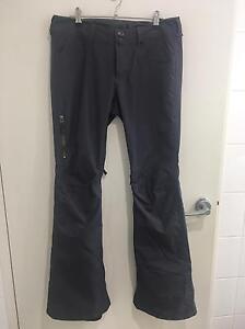 Burton ladies snowboard pants SIZE M/10 - BRAND NEW Erskineville Inner Sydney Preview