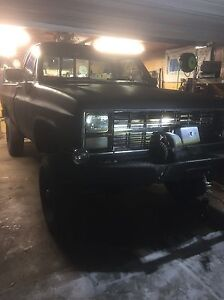 """86 Chevy K20 with a 6"""" lift"""