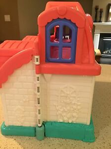 Little people house London Ontario image 4