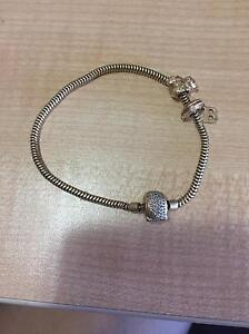 Gold  bracelet (pandora style) Canning Vale Canning Area Preview
