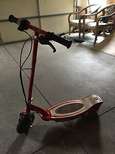 Electric E 100 Razor scooter Windsor Region Ontario image 4