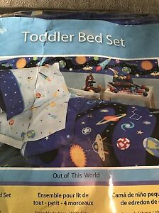 Space Toddler Bedding (brand new in package)