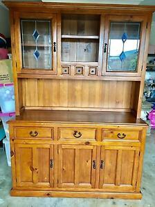 Buffet and Hutch 148 x 49 x 209h Victoria Point Redland Area Preview