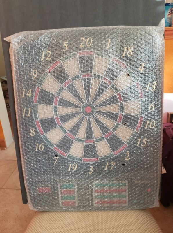 Electronic Dartboard - Spalding NEW27 Games/140 Level 24 brass tips