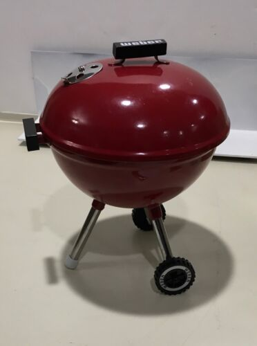 """Weber BBQ Grill For 18"""" Doll Red EUC 7"""" tall 3 pieces wheels Handle Cute!"""