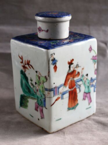 Republic Era Chinese Famille Rose Square Porcelain Tea Caddy with Lid c. 1925