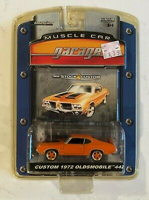 Greenlight Muscle Car Garage Stock & Custom 1972 Oldsmobile 442 Orange Die Cast