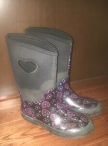 Rain boots  warm size 4 girls fit like 6 womans