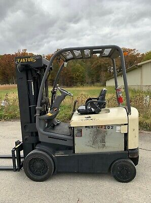 Crown Fc4020-50 5000lb Forklift Electric 4 Stage Mast Lift Truck Tow Hilo Fork