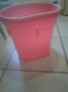 Water bucket for horses