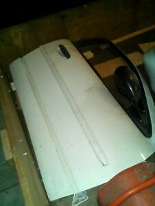 94 Camero body parts Windsor Region Ontario image 5