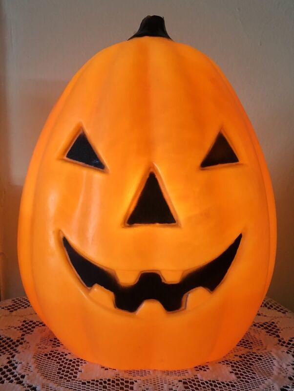 Vintage HALLOWEEN Jack o Lantern Blowmold Lighted Plastic Pumpkin Made in Canada