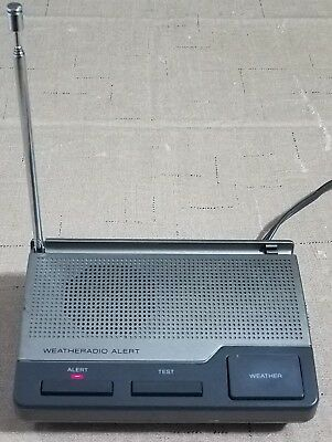 RadioShack 12-240 Digital Hurricane Weather Warning Storm Alert 3 Channel Radio