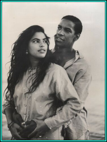 "SARITA CHOUDHURY & DENZEL WASHINGTON in ""Mississippi Masala"" - Original Photo"