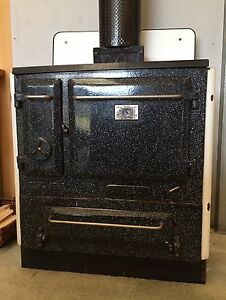 Slow combustion wood stove Ringwood East Maroondah Area Preview