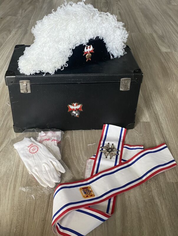 KNIGHTS OF COLUMBUS WHITE OSTRICH CHAPEAU WITH TRAVEL CASE + EXTRAS - Sz 7 1/2