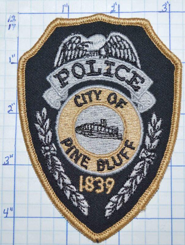 ARKANSAS, PINE BLUFF POLICE DEPT TAN EDGE PATCH