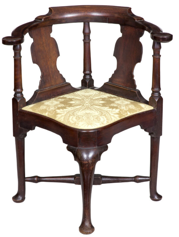 SWC-Queen Anne Corner Chair with Horseshoe Seat Boston, c.1770