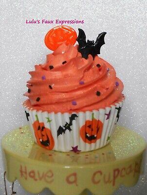 Faux CUPCAKES Fake Food HALLOWEEN PUMPKIN & BAT orange sprinkles](Bat Halloween Cupcakes)
