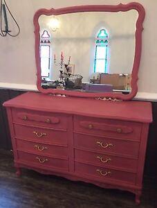 Gorgeous Queen Anne Dresser & Mirror