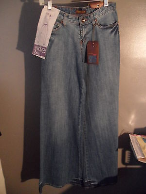 Jeans By Sweet Lips Wide Flare Leg Womens Distressed Washed Out Look Sz 3/4