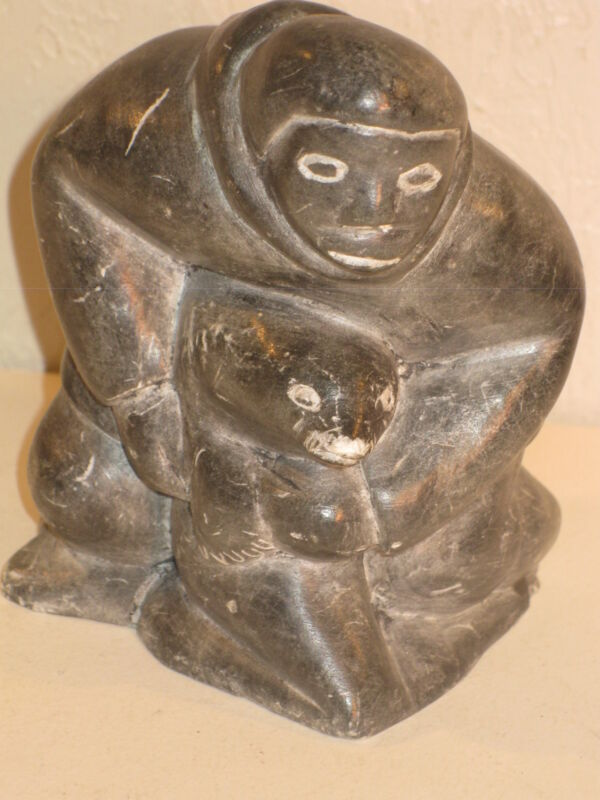 INUIT MAN CARRYING SEAL **SIGNED DH TOOKAK*C79** CANADA CERTIFIED CARVED STONE