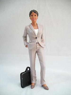 Resin Doll - Teresa (standing Woman) 3035 1/12 Scale Houseworks Figurine