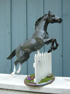 Breyer-Custom-Jumping-Horse-with-Removable-Picket-Fence