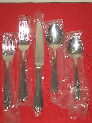 Wallace Silversmiths 18/8 Stainless Steel biltmore5pc Place Set In Box.