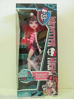 "Monster High Skull Shores Doll ""Draculaura"" Daughter of Dracula"