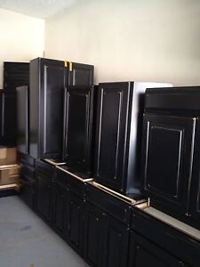 Kraftmaid black onyx kitchen cabinets for Black onyx kitchen cabinets