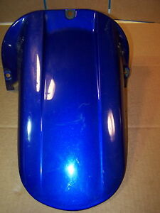YAMAHA-YZF-R1-YZF1000-YZF-1000-REAR-SWINGARM-FENDER-REAR-TIRE-HUGGER-1999-2001