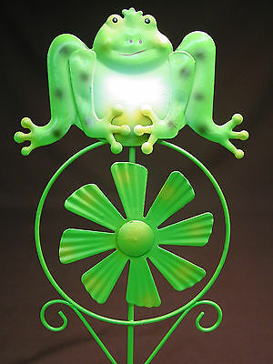 21 Frog Metal Pinwheel Yard Art Garden Decor Ornament Flower Plant Spike Figure