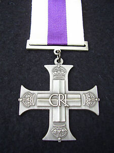 BRITISH-ARMY-PARA-SAS-RAF-RM-SBS-GR1-Military-Cross-Gallantry-MC-Medal-Ribbon