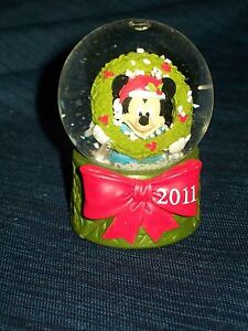 Miniature-2-5-DISNEY-MICKEY-MOUSE-CHRISTMAS-2011-SNOWGLOBE-w-Box-JCPenney