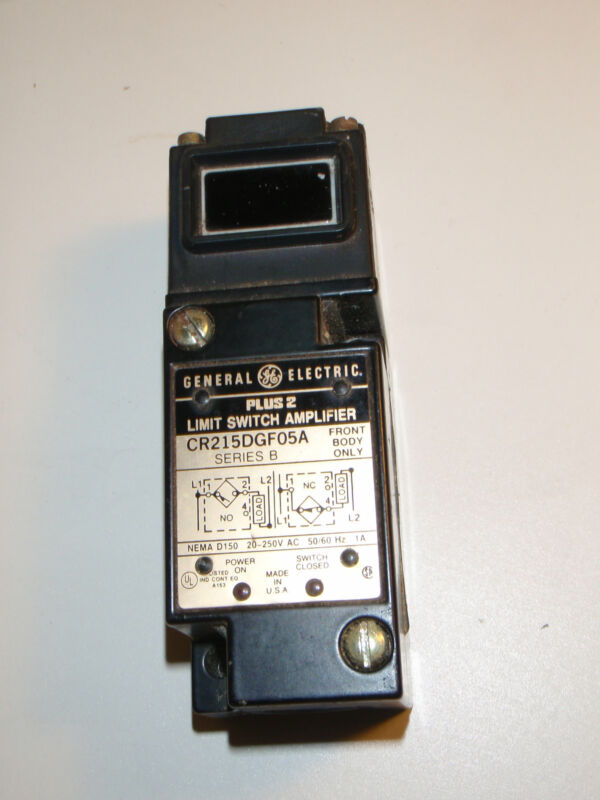 General Electric Retroreflective Photoelectric Switch 20-250 Volt AC