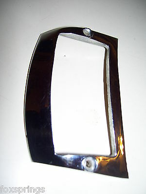 1941 CHRYSLER PARKING LIGHT BEZEL - 2865770    -    CHR29