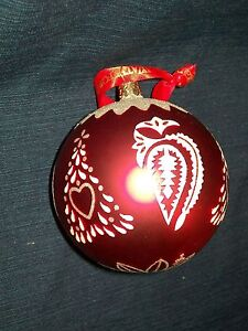 4-round-glass-WATERFORD-Holiday-Heirlooms-CHRISTMAS-TREE-BALL-ORNAMENT-w-Box