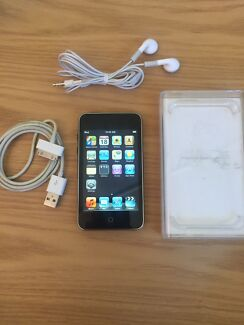 iPod Touch 2-8GB Full Accessories